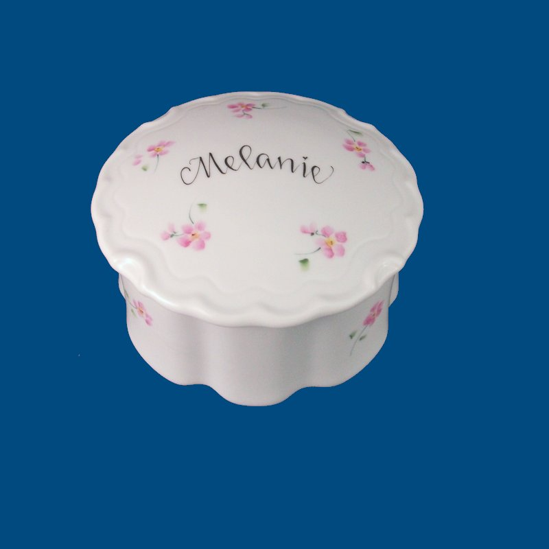 Personalized Hand Painted Porcelain Round Scalloped Box-gift idea, personalized gifts, unique gifts, bridal shower gifts, bridesmaid gifts, monogrammed gifts, birthday gifts, valentine's day gifts, trinket boxes, keepsake boxes, jewelry boxes, white porcelain, personalized boxes, decorative boxes, porcelain painted, hand painted boxes, porcelain keepsake, birthday gifts, anniversary gifts, birthday gift, best gifts, porcelain boxes