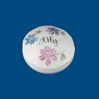Personalized Hand Painted Porcelain  Round Jewelry Box-gift idea, personalized gifts, unique gifts, bridal shower gifts, bridesmaid gifts, monogrammed gifts, birthday gifts, valentine's day gifts, trinket boxes, keepsake boxes, jewelry boxes, white porcelain, personalized boxes, decorative boxes, porcelain painted, hand painted boxes, porcelain keepsake, birthday gifts, anniversary gifts, birthday gift, best gifts, porcelain boxes, round boxes, round box